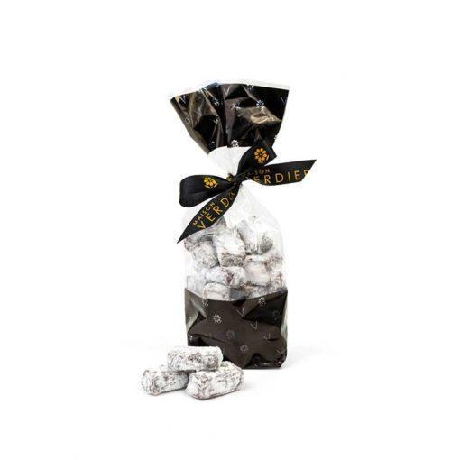 Givrette, une spécialité chocolatée alliant chocolat noir et Cointreau